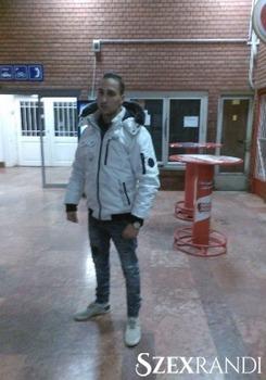 szexpartner Szolnok - Olasz95 24 éves Hetero férfi