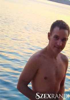 szexpartner Szekszárd - laca-maca 19 éves Hetero férfi