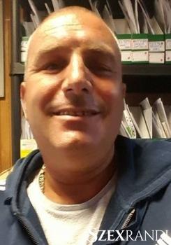 szexpartner Budapest - tike 51 éves Hetero férfi