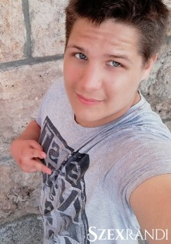 szexpartner Eger - Marcika 18 éves Hetero férfi